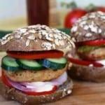 Ζουμερά burger με λίγες  θερμίδες για όλες τις ώρες
