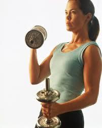 Γυναίκες και άσκηση με βάρη